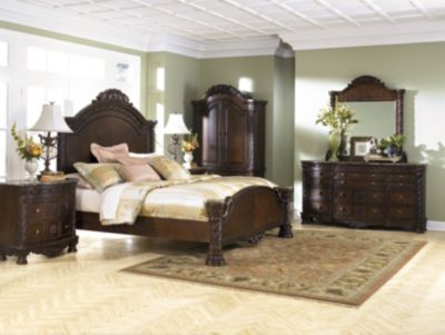 Ashley North Shore 4-Piece Queen Panel Bedroom Set