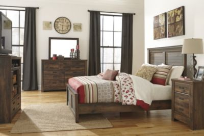 Ashley Quinden 4-Piece Queen Panel Bedroom Set