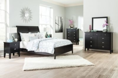 Ashley Braflin 4-Piece King Bedroom Set