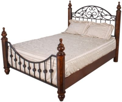 Ashley Wyatt Queen Bed