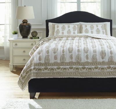 Ashley Almeda Beige 3-Piece Queen Coverlet Set