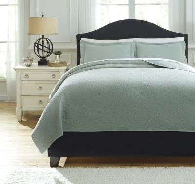 Ashley Bazek Sage Green 3-Piece Queen Coverlet Set