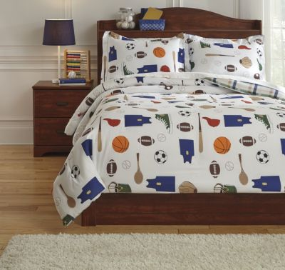 Ashley Varias 3-Piece Full Comforter Set
