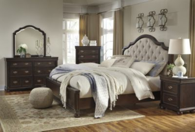 Ashley Moluxy 4-Piece King Bedroom Set
