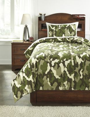 Ashley Dagon 2-Piece Twin Comforter Set