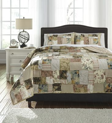 Ashley Damalis 3-Piece Queen Quilt Set