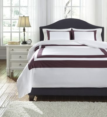 Ashley Daruka Plum 3-Piece King Duvet Set