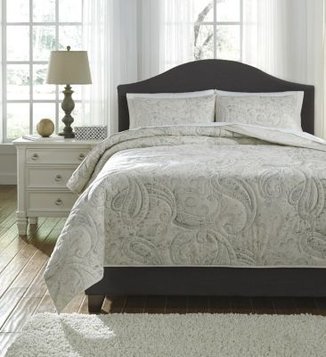 Ashley Darcila 3-Piece King Coverlet Set