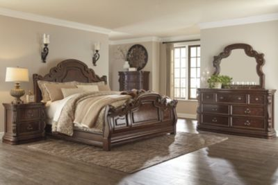 Ashley Florentown 4-Piece Queen Bedroom Set