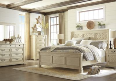 Ashley Bolanburg 4-Piece Queen Bedroom Set