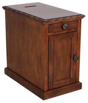 Ashley Laflorn Chairside Table With Power Port Homemakers Furniture