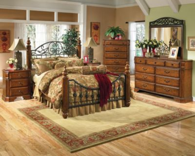 Ashley Wyatt 4-Piece Queen Bedroom Set