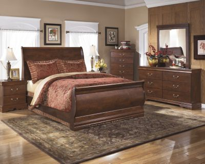 Ashley Wilmington 4-Piece Queen Bedroom Set