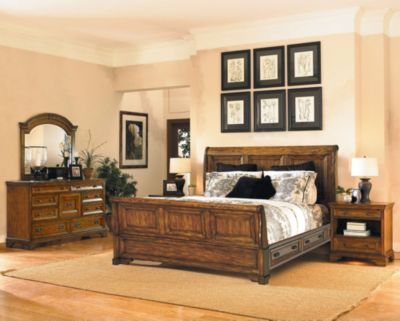 Aspen Centennial 4-Piece Queen Storage Bedroom Set