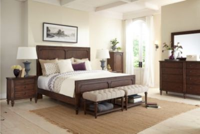 Broyhill Cranford 4-Piece King Bedroom Set