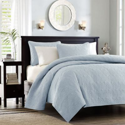 Hampton Hill Quebec Blue 3-Piece Full/Queen Coverlet Set