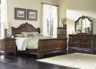 Liberty Highland Court 4-Piece King Bedroom Set