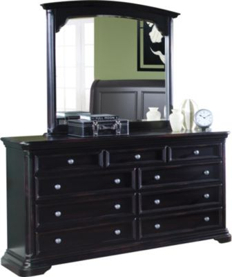 New Classic Maryhill Dresser with Mirror