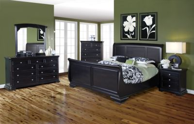 New Classic Maryhill 4-Piece Queen Bedroom Set