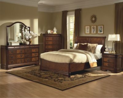 New Classic Sheridan 4-Piece King Bedroom Set