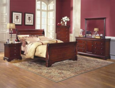 New Classic Versaille 4-Piece Queen Bedroom Set