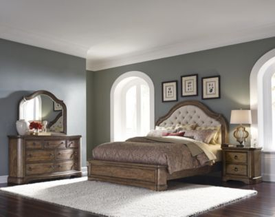 Pulaski Aurora 4-Piece King Bedroom Set