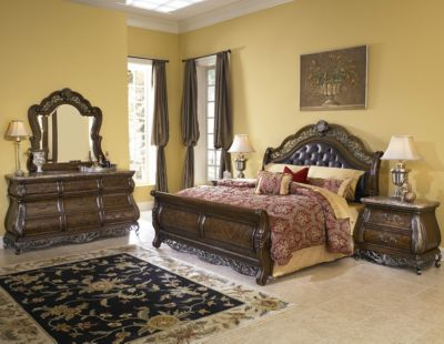 Pulaski Birkhaven 4-Piece Queen Sleigh Bedroom Set