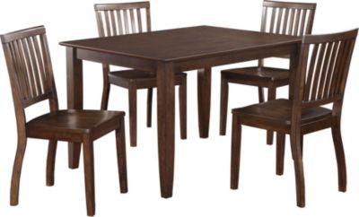 Standard Furniture Fairfax Table & 4 Chairs
