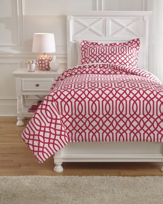 Ashley Loomis Fuchsia 2-Piece Twin Comforter Set