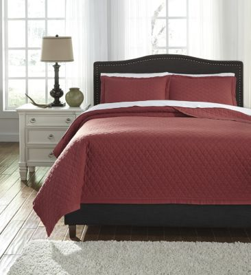 Ashley Alecio Red 3-Piece King Quilt Set