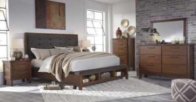 Ashley Ralene 4-Piece King Storage Bedroom Set