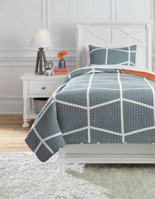 Ashley Gage 2-Piece Twin Coverlet Set