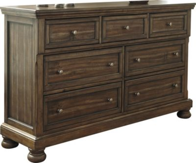 Ashley Flynnter Dresser