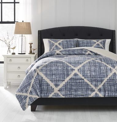 Ashley Sladen 3-Piece Queen Comforter Set