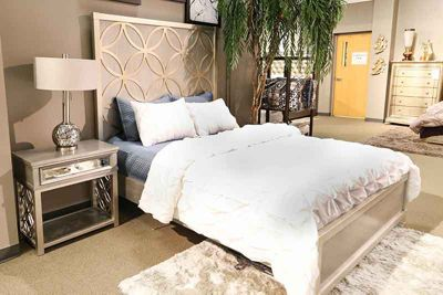 Accentrics City Chic bed
