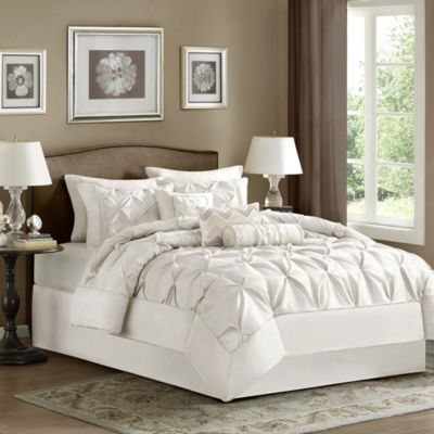 Hampton Hill Laurel White 7-Piece Queen Comforter Set