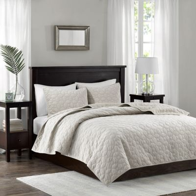 Hampton Hill Harper Ivory 3-Piece Queen Coverlet Set
