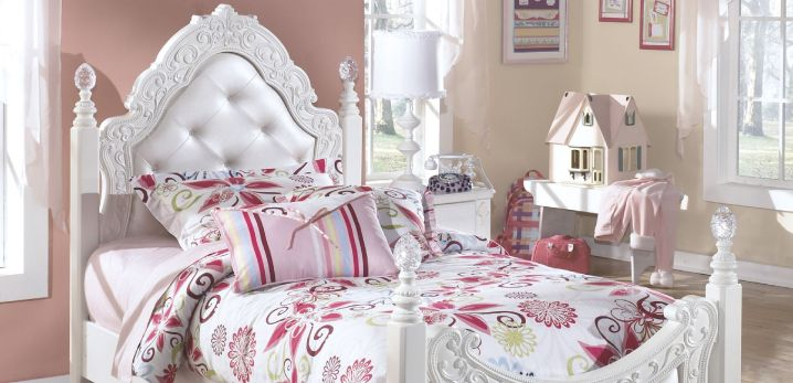 princess-themed kids bedroom