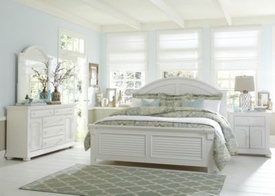 Liberty Summer House I 4-Piece King Panel Bedroom Set