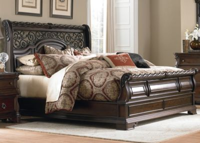 Liberty Arbor Place King Sleigh Bed