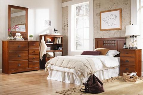 Lang: American-Made furniture