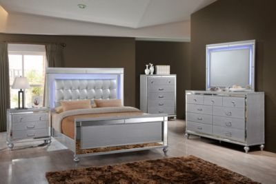 New Classic Valentino 4-Piece King Bedroom Set