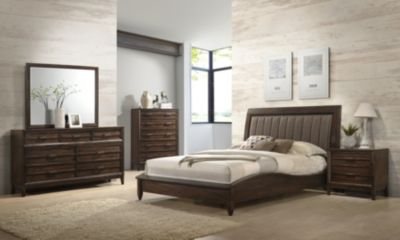 New Classic Windsong 4-Piece King Bedroom Set