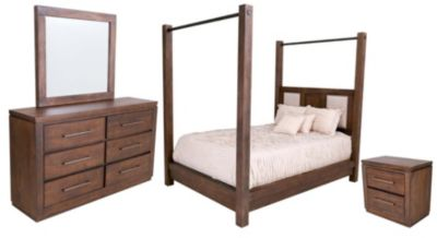 New Classic Heartstone Manor 4-Piece Queen Bedroom Set