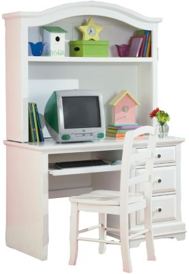 New Classic Bayfront Kids' Desk & Hutch