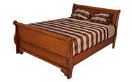 New Classic Honey Creek Queen Sleigh Bed