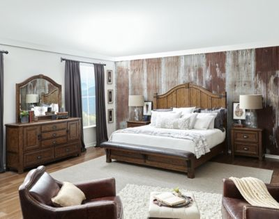 Pulaski Erich Church Heartland Falls Queen Bedroom Set
