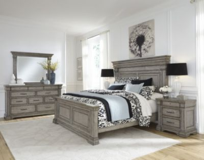 Pulaski Madison Ridge 4-Piece King Bedroom Set