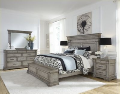 Pulaski Madison Ridge 4-Piece Queen Storage Bedroom Set