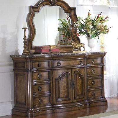 Pulaski Furniture Dressers and Mirrors